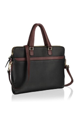 City-smart Messenger bag made of genuine leather with a zipper